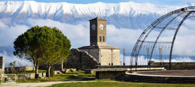 Excursión a Gjirokastra y Castillo Lekuresi