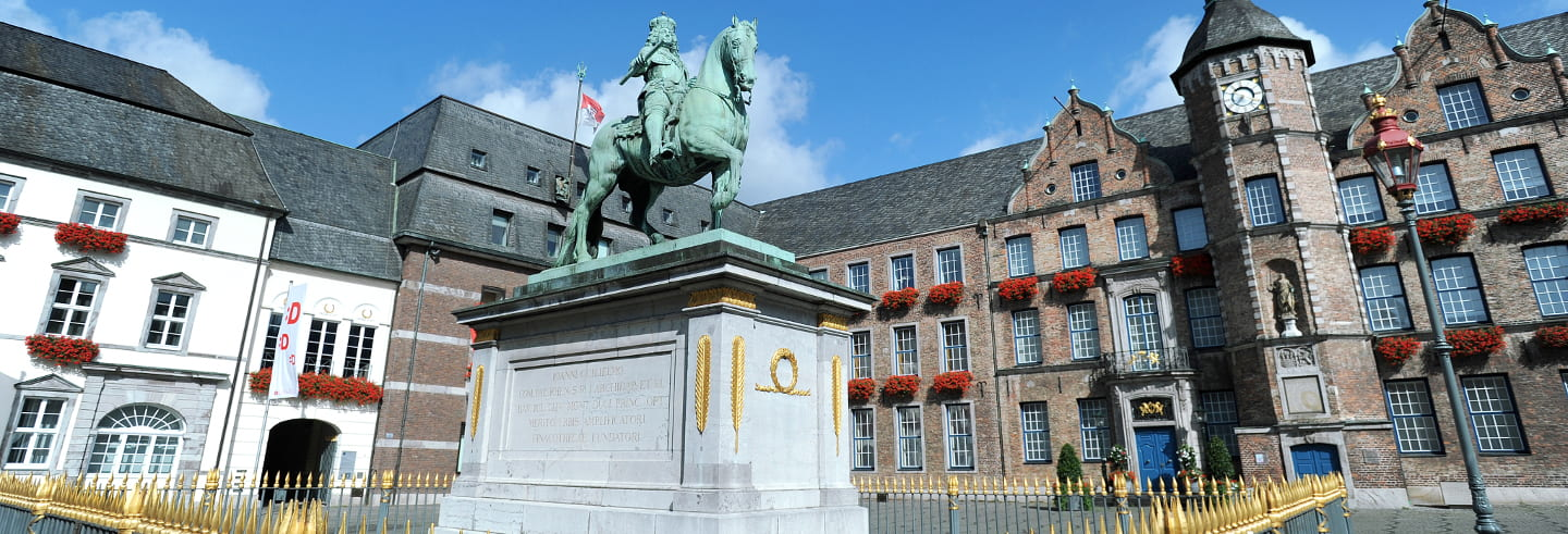 Guided Walking Tour of Düsseldorf