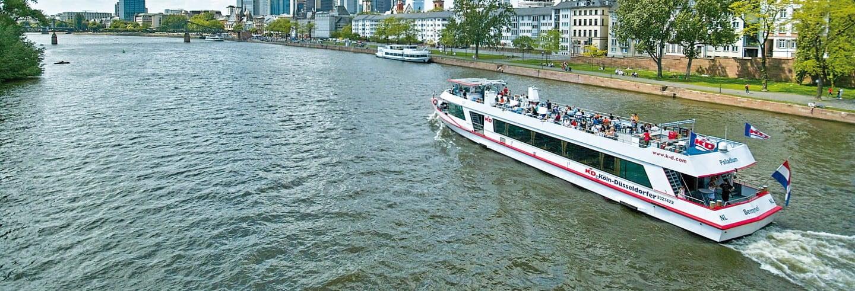Paseo en barco por Frankfurt