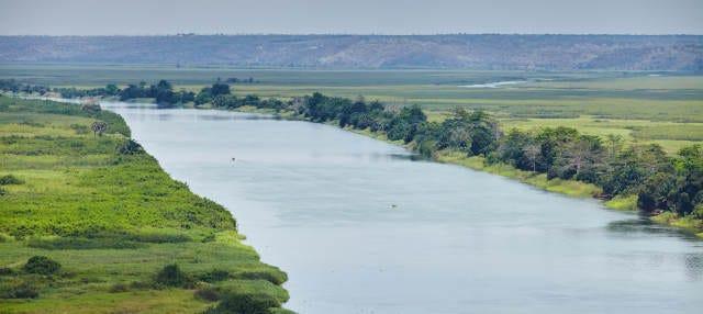 Paseo en barco por el río Kwanza + Comida