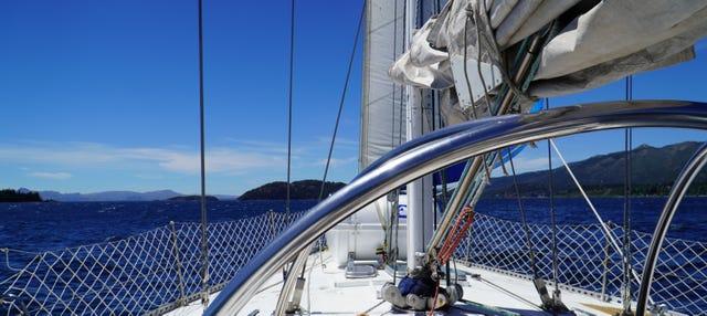 Paseo en velero por el Lago Nahuel Huapi