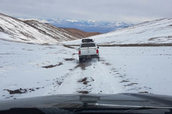 Crossing the landscapes of Tontal in a jeep