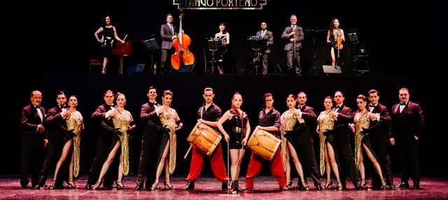 Espectáculo en el teatro Tango Porteño