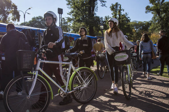 Touring Buenos Aires by bike