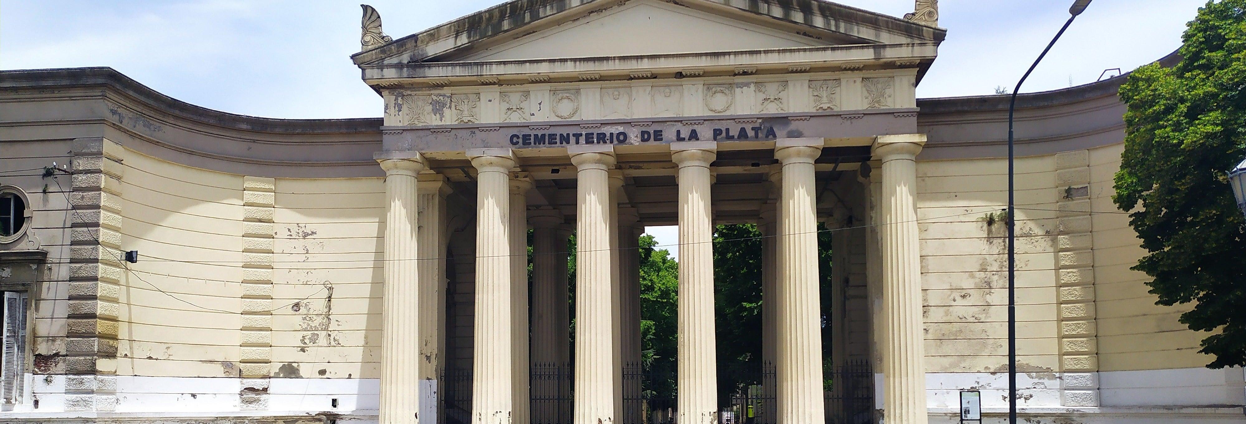 Tour por el cementerio de La Plata