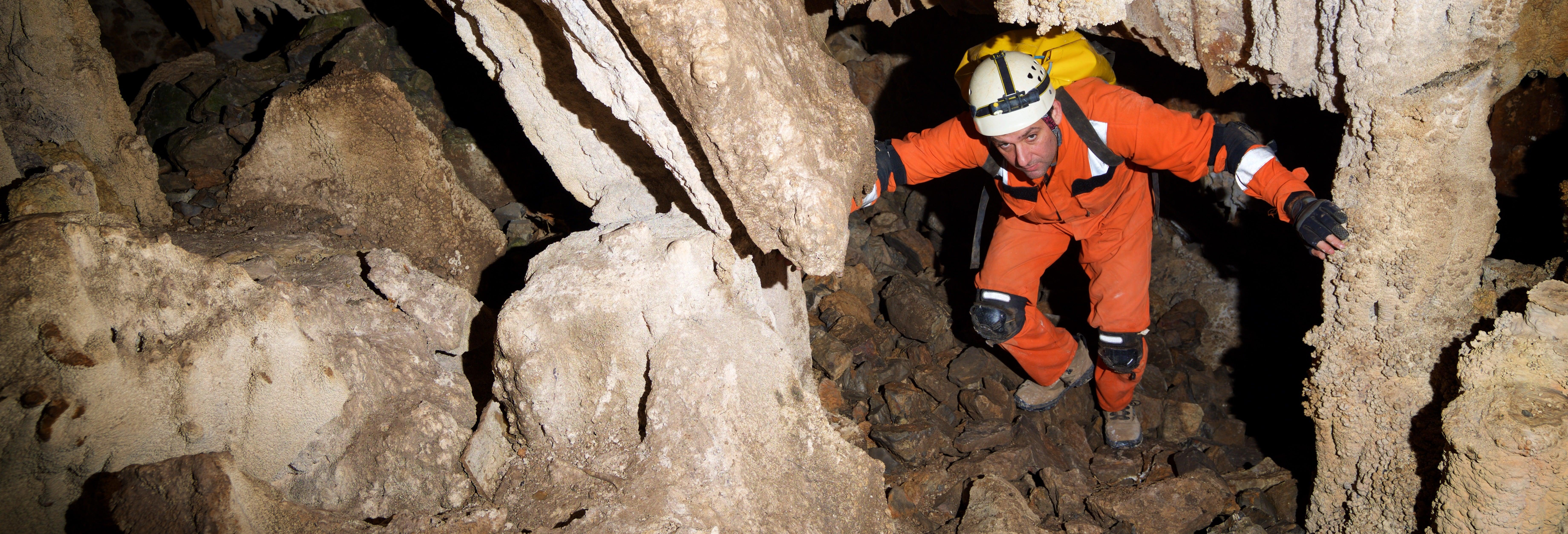 Excursión a la Reserva Natural Caverna de las Brujas
