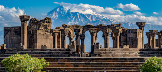 Excursión a Echmiadzin, Khor Virap y Zvartnots
