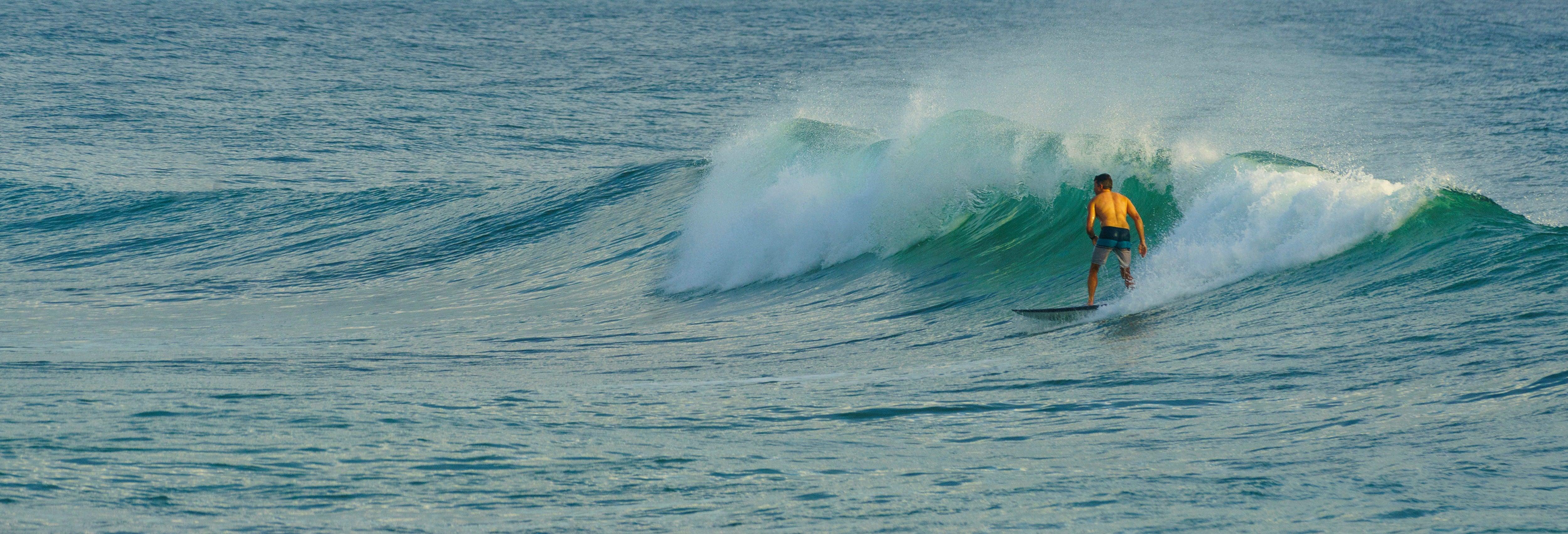 Surfe em Gold Coast + Farol de Fingal Head