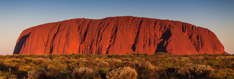 Excursão ao Parque Nacional Uluru-Kata Tjuta ao amanhecer