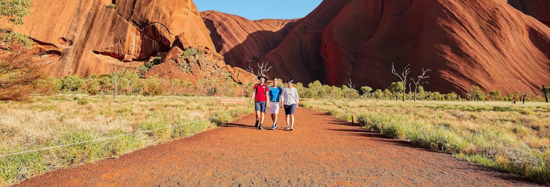 Trekking alla base dell'Uluru