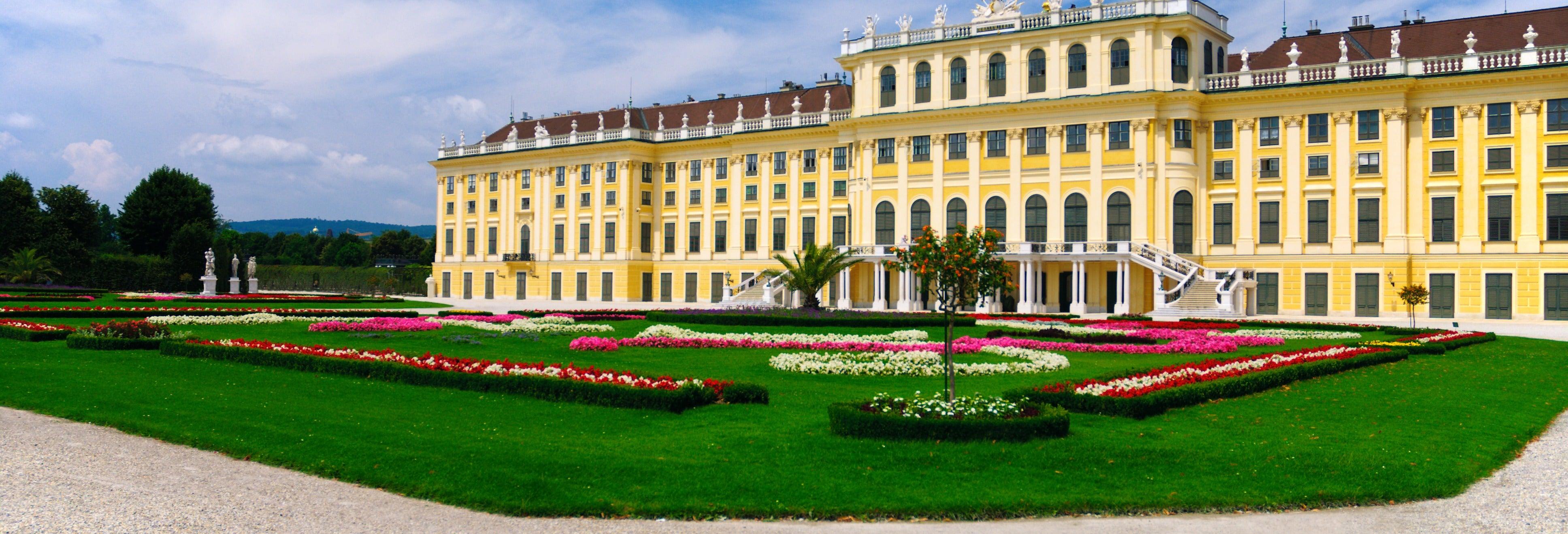 Tour of Vienna and the Schönbrunn Palace