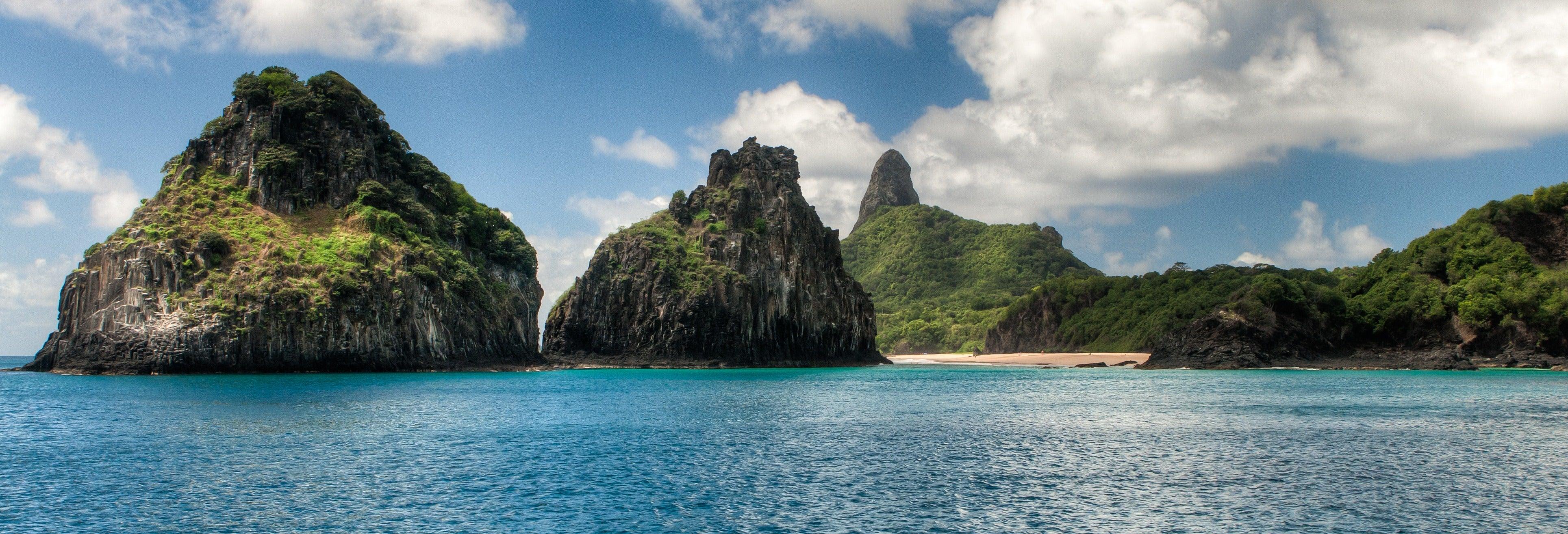 Tour de canoa havaiana por Fernando de Noronha