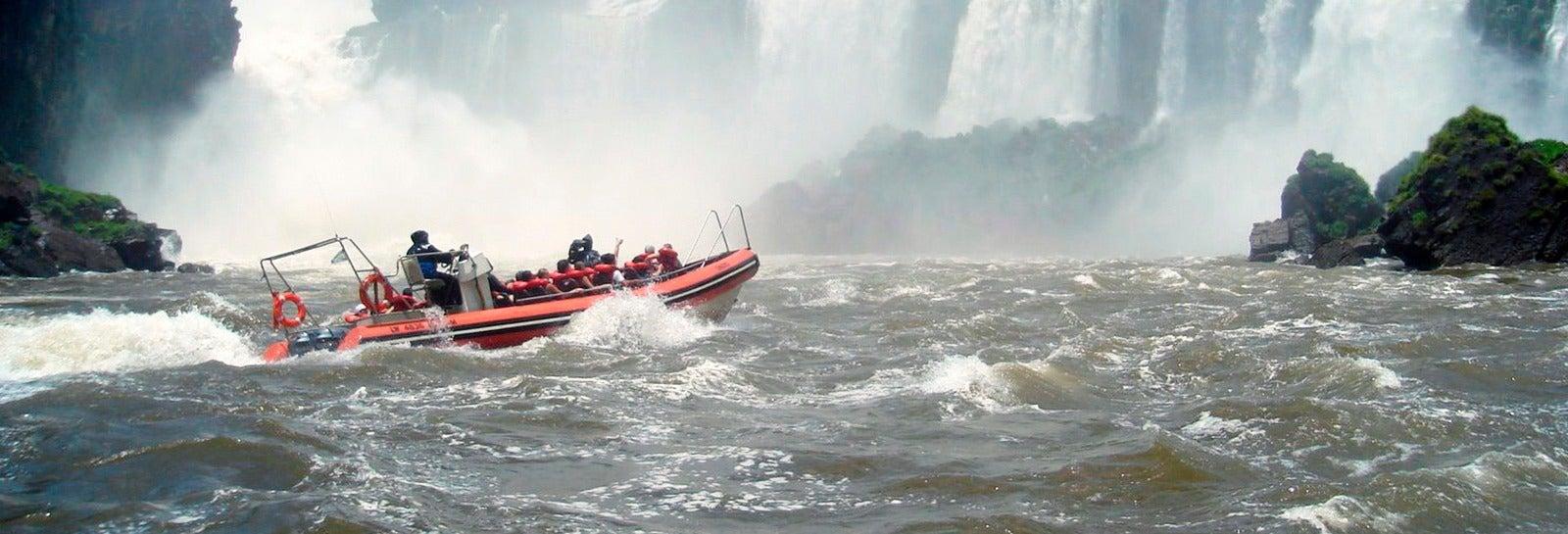 Cataratas de Iguazú (lado argentino) + Tour de aventura