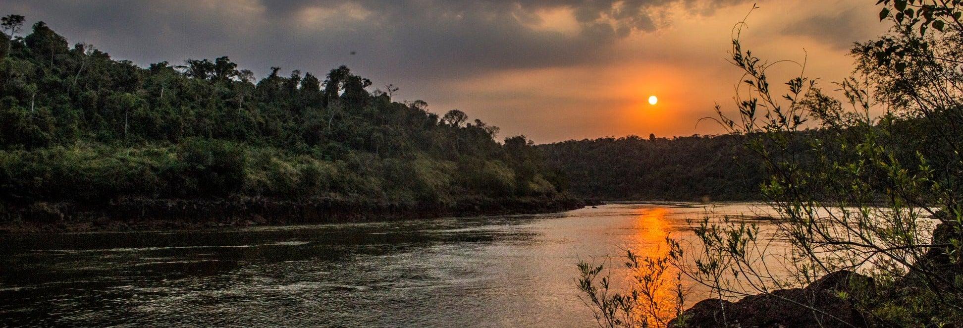 Senderismo por las cascadas secretas de Iguazú