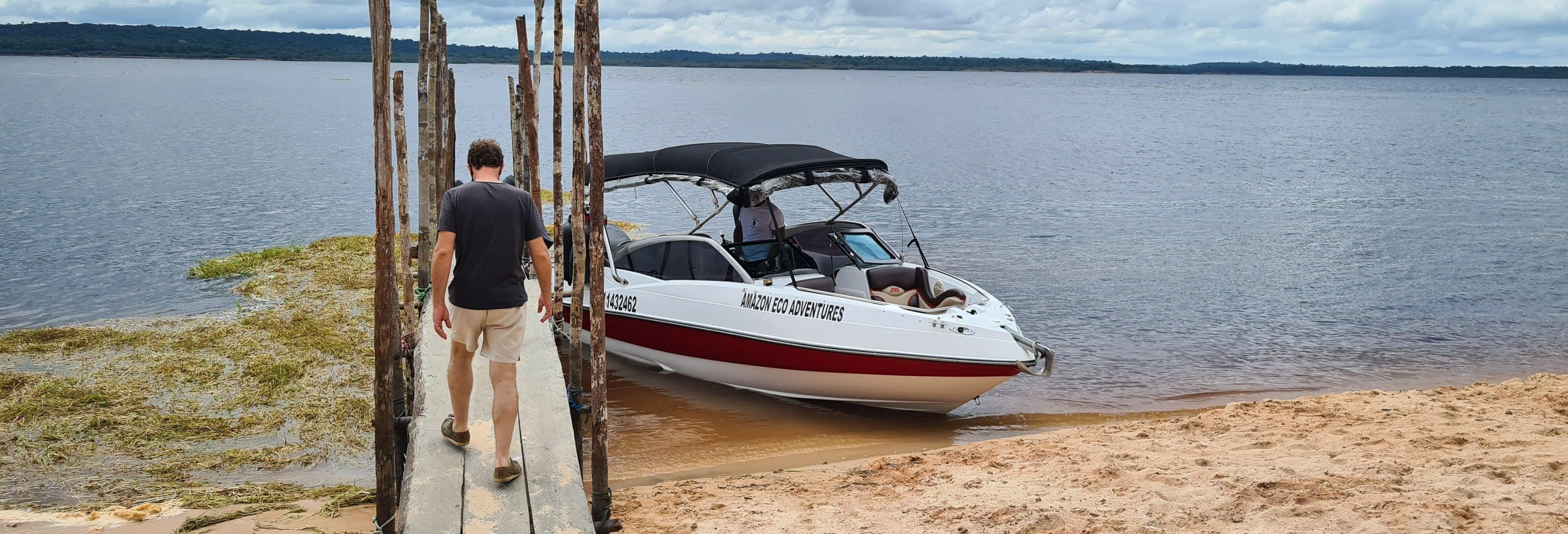 Paseo en barco privado por la Amazonía