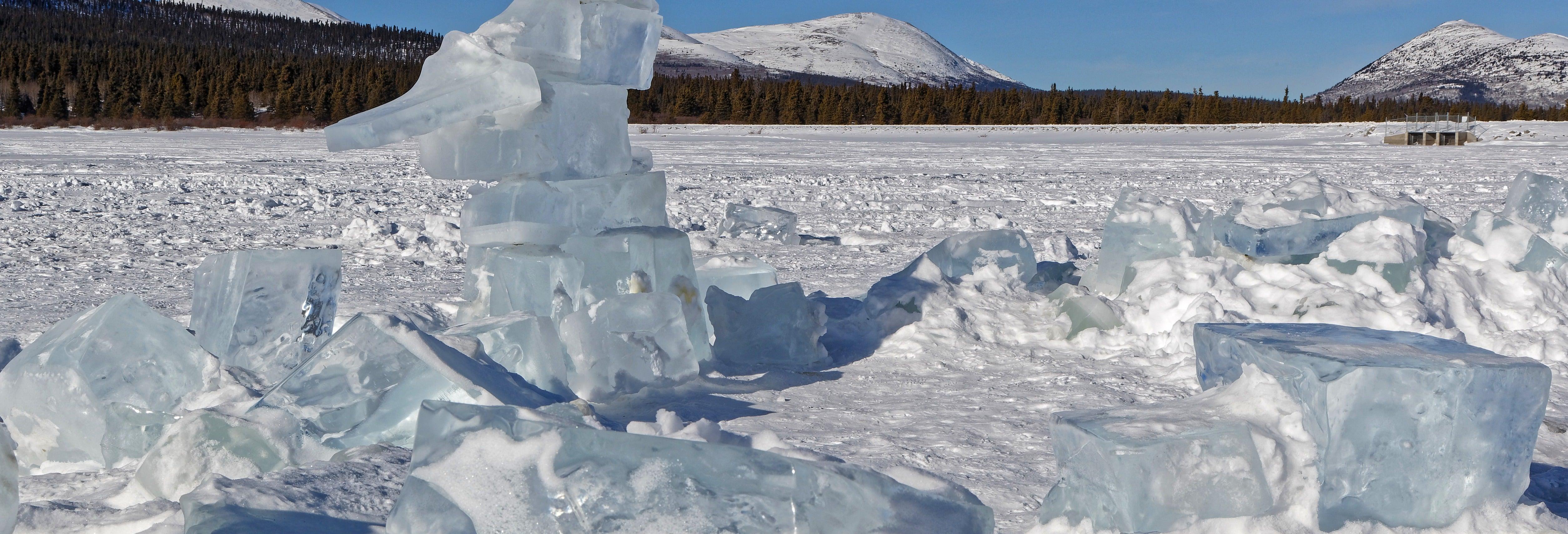 Pesca no gelo em Whitehorse + Raquetes de neve