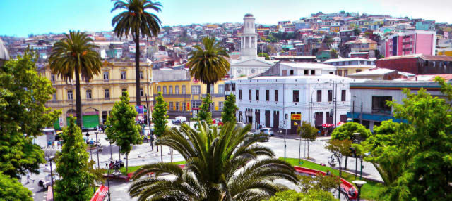 Barrio Puerto and Cerro Cordillera Free Tour