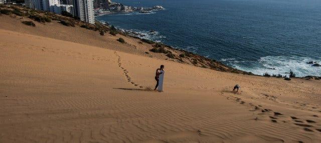 Sandboarding en las dunas de Concón