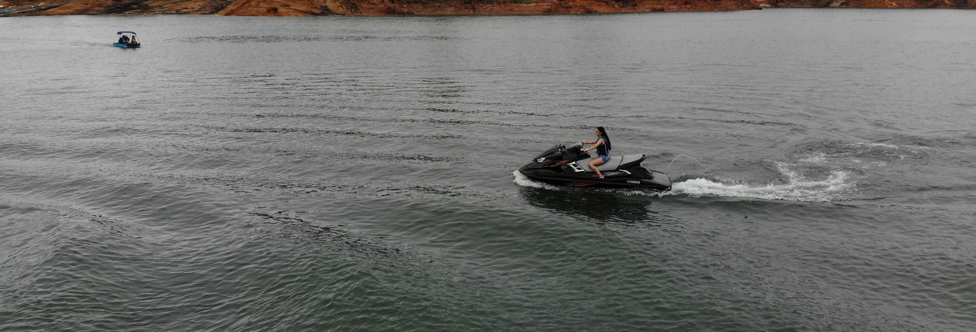 Alquiler de moto de agua en el embalse de Guatapé
