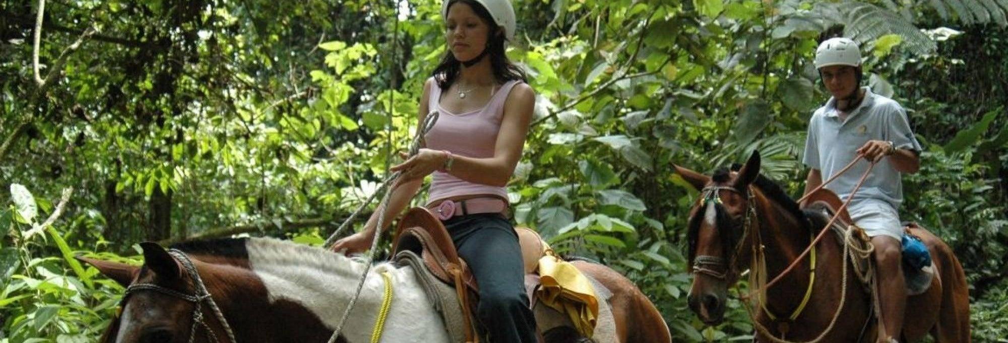 Paseo a caballo a la catarata La Fortuna