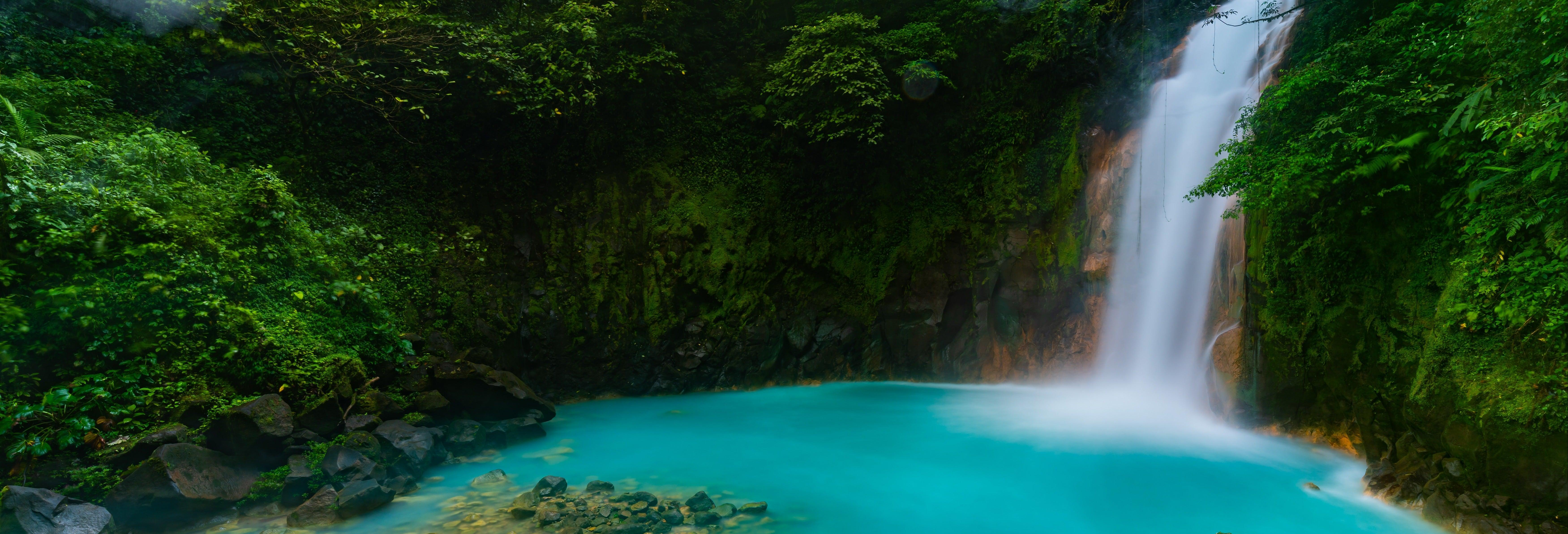 Senderismo por el río Celeste
