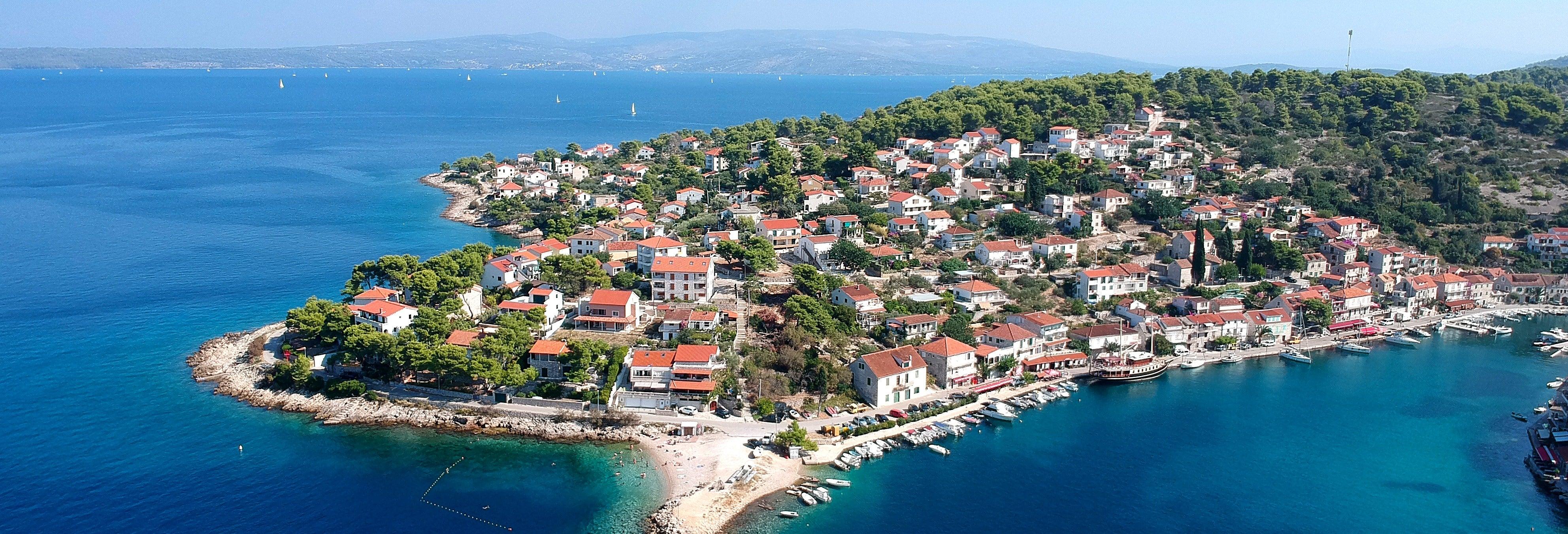 Excursion aux îles de Brač et de Šolta en bateau