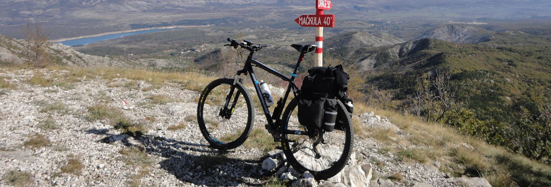 Tour de bicicleta pelo vale de Sinj