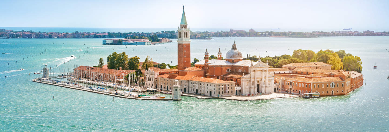Ferry a Venecia ¡Descubre la ciudad a tu aire!