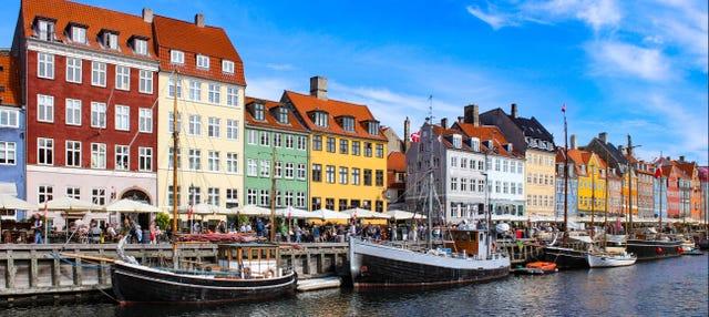 Paseo en barco por los canales de Copenhague