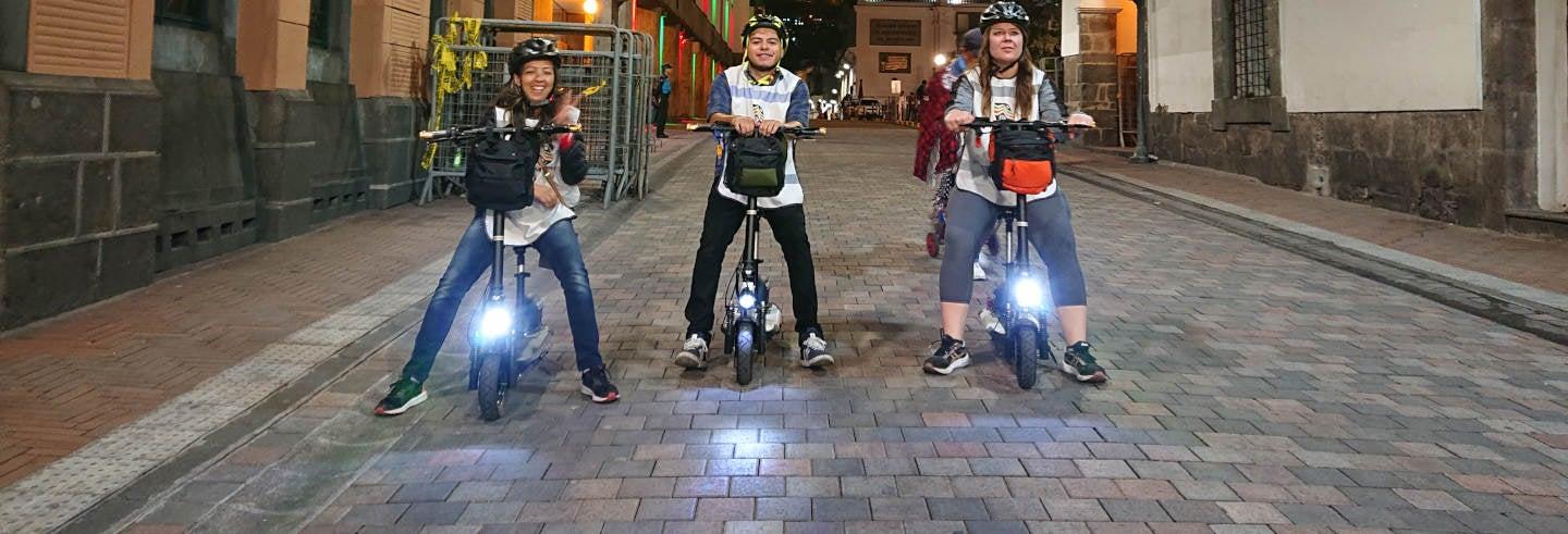Tour serale di Quito in monopattino elettrico