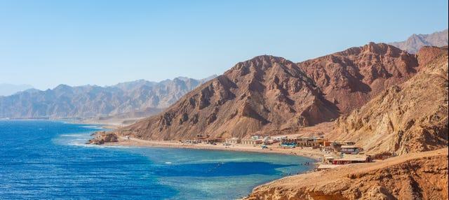 Safari por el desierto y snorkel en Blue Hole
