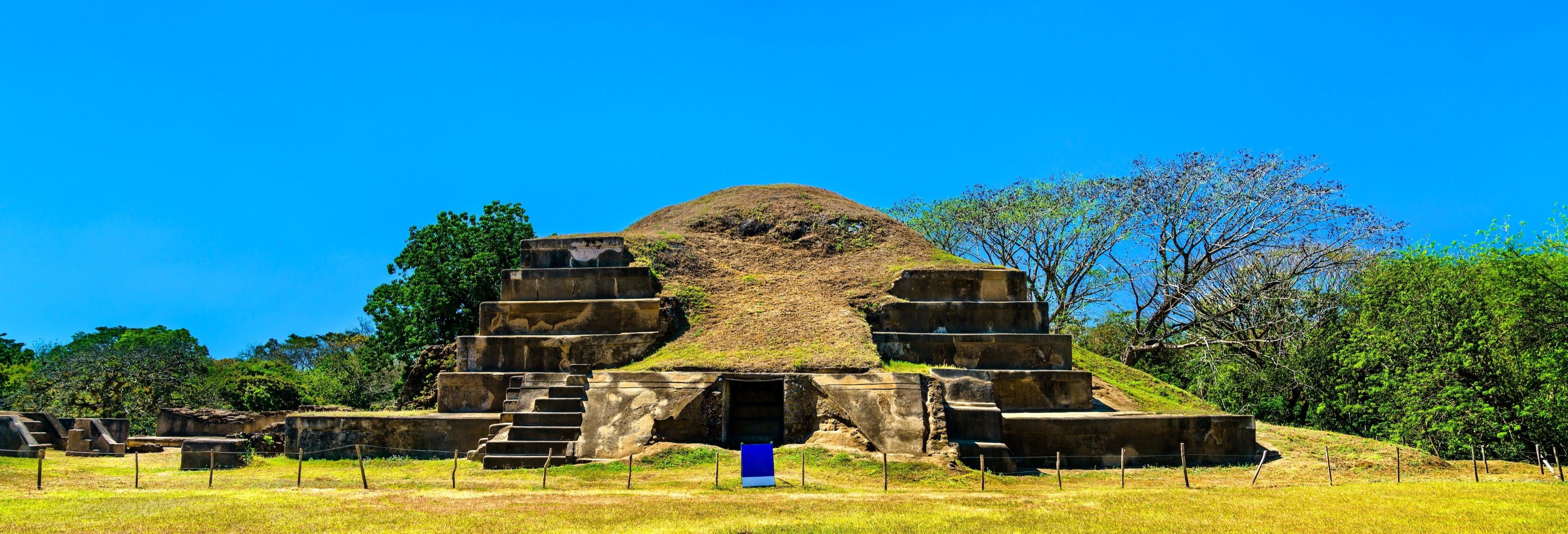 Cerro Verde Volcano and Mayan Ruins Trip