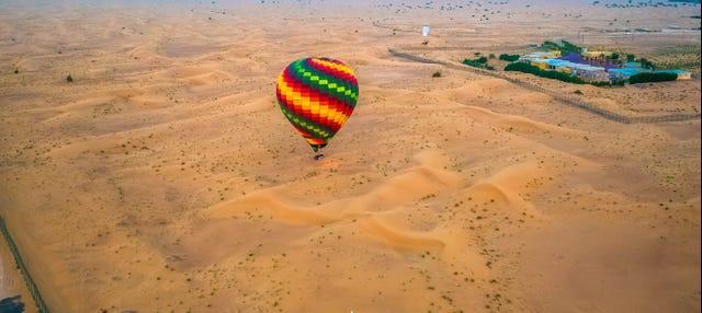 Vol en montgolfière au-dessus de Dubaï