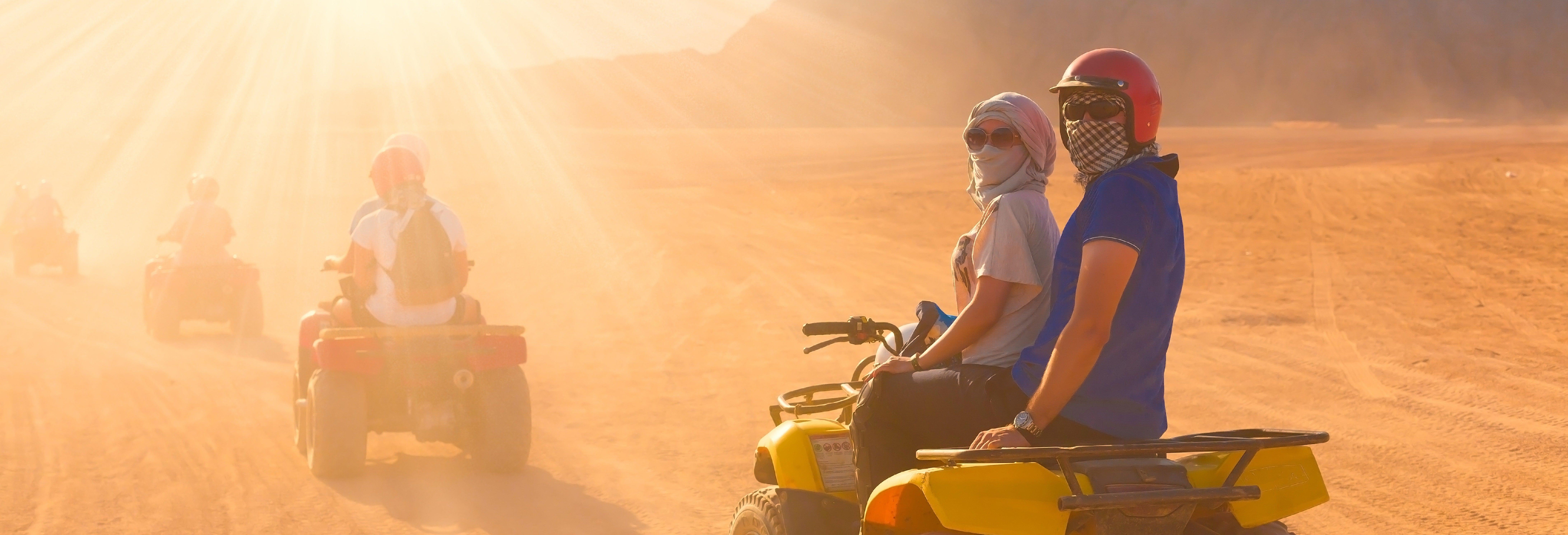 Tour de quadriciclo pelo deserto de Dubai