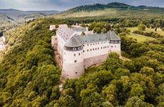 Ruta del vino y castillo Červený Kameň