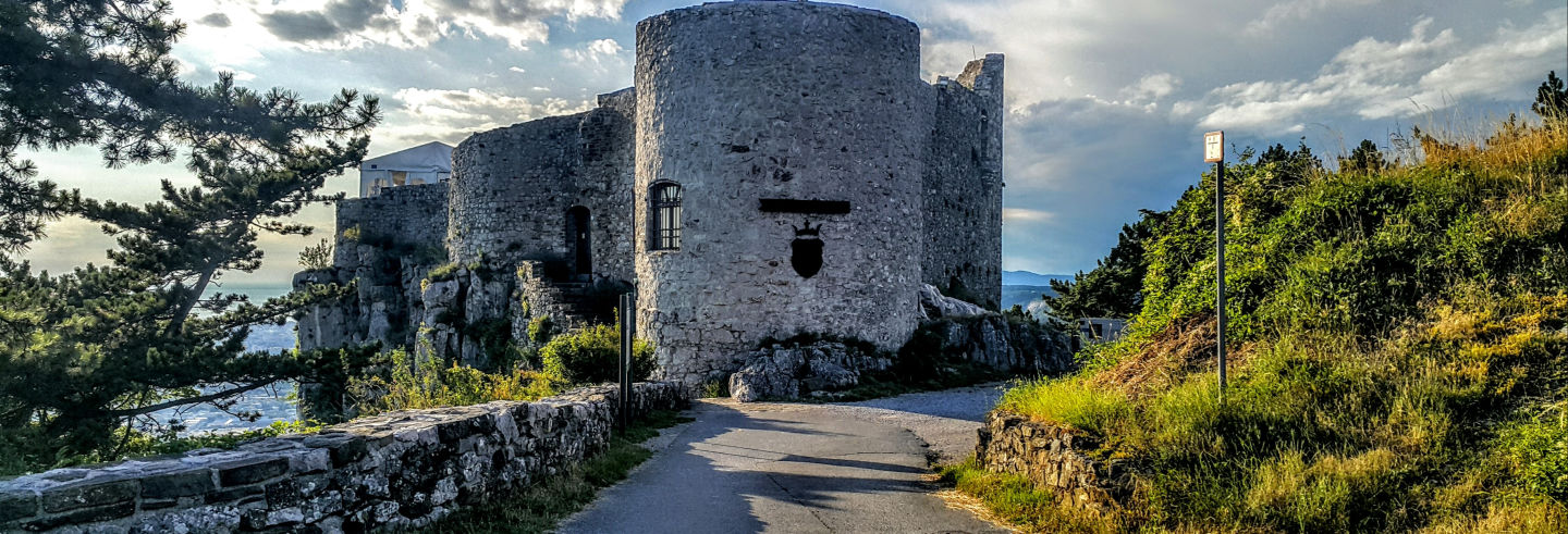 Excursão a Socerb, Hrastovlje e Marezige
