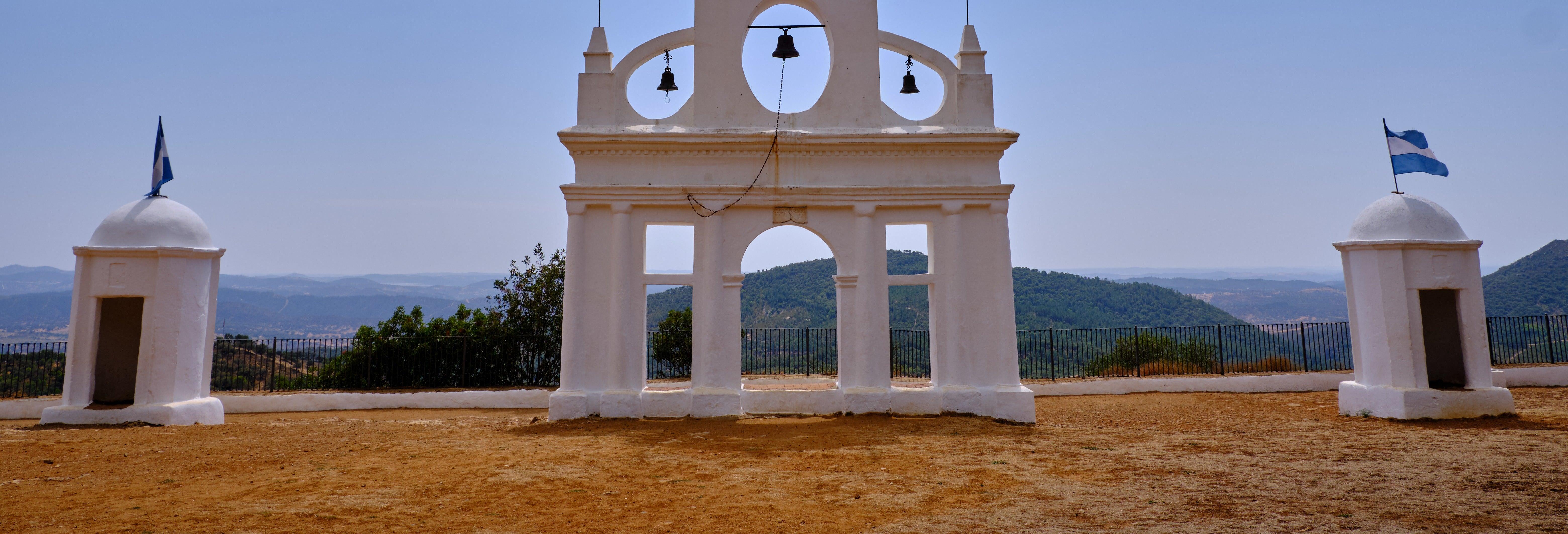 Tour pela Peña de Arias Montano e grutas de Alájar