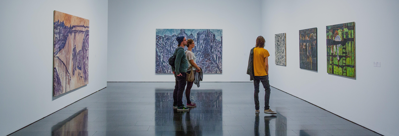 Entrada al MACBA, el Museo de Arte Contemporáneo