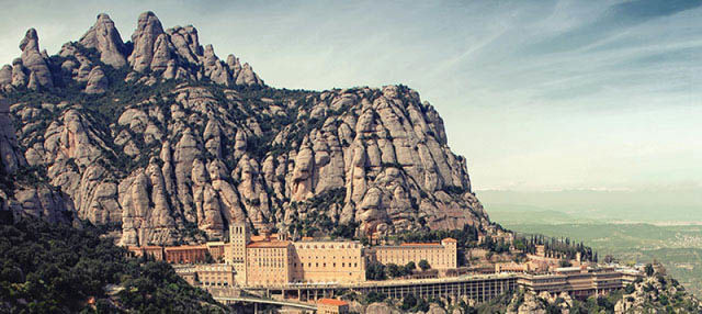 Excursión a Montserrat con tren cremallera