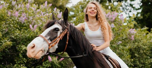 Excursión a Montserrat + Paseo a caballo
