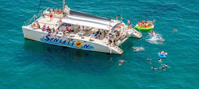 Fiesta en catamarán Sensation Barcelona