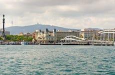 Passeio de catamarã por Barcelona