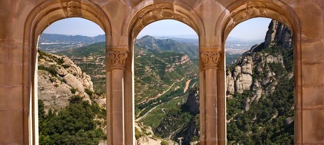 Trekking por Montserrat y visita al monasterio