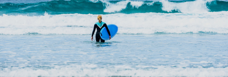 Curso de surf en Bastiagueiro