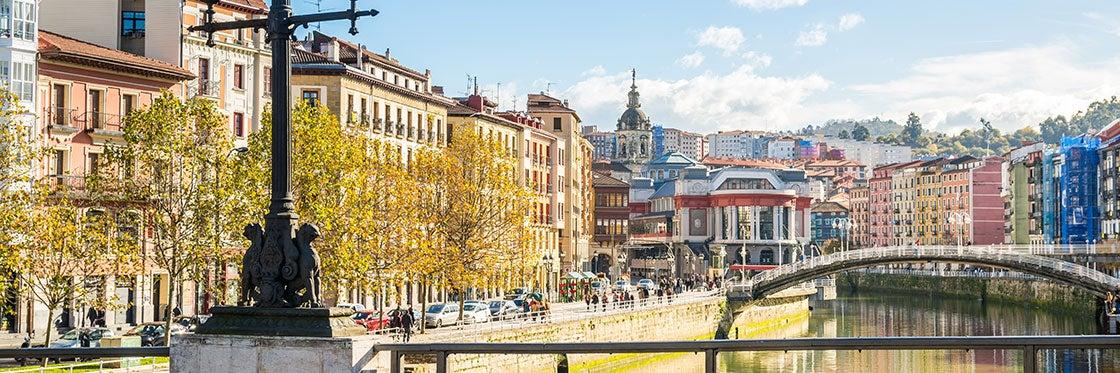 Vistas cercanas de Bilbao