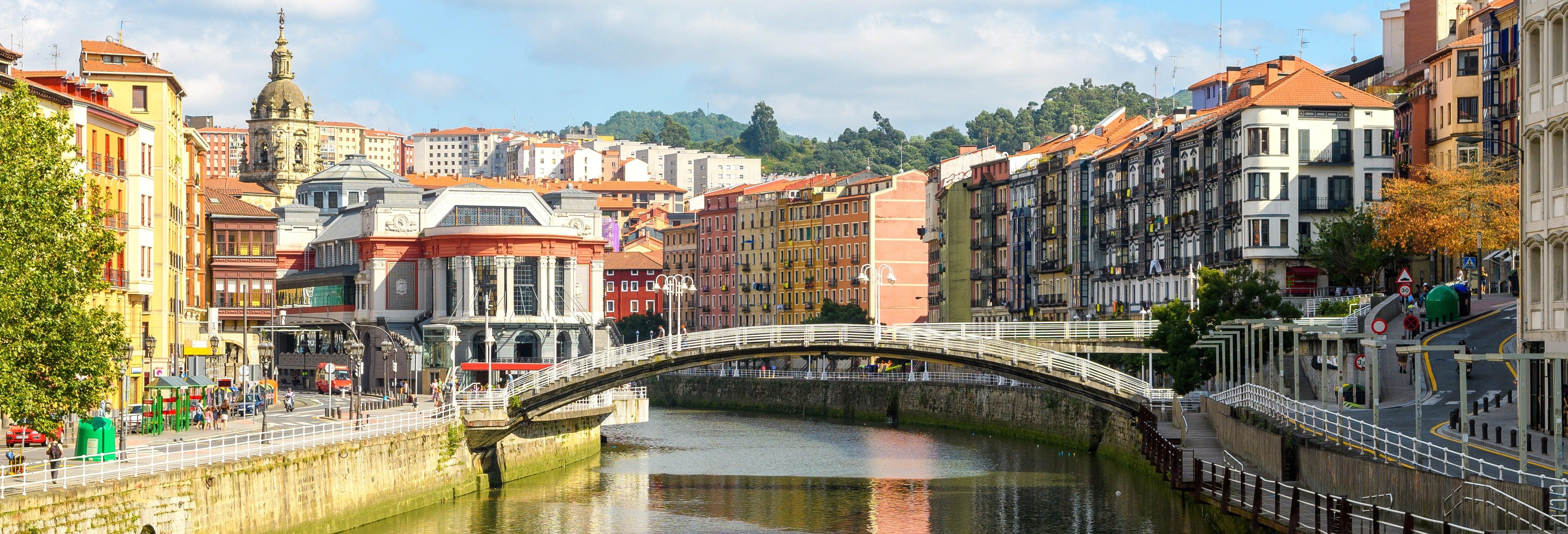 Tour pelo centro antigo de Bilbao + Funicular de Artxanda