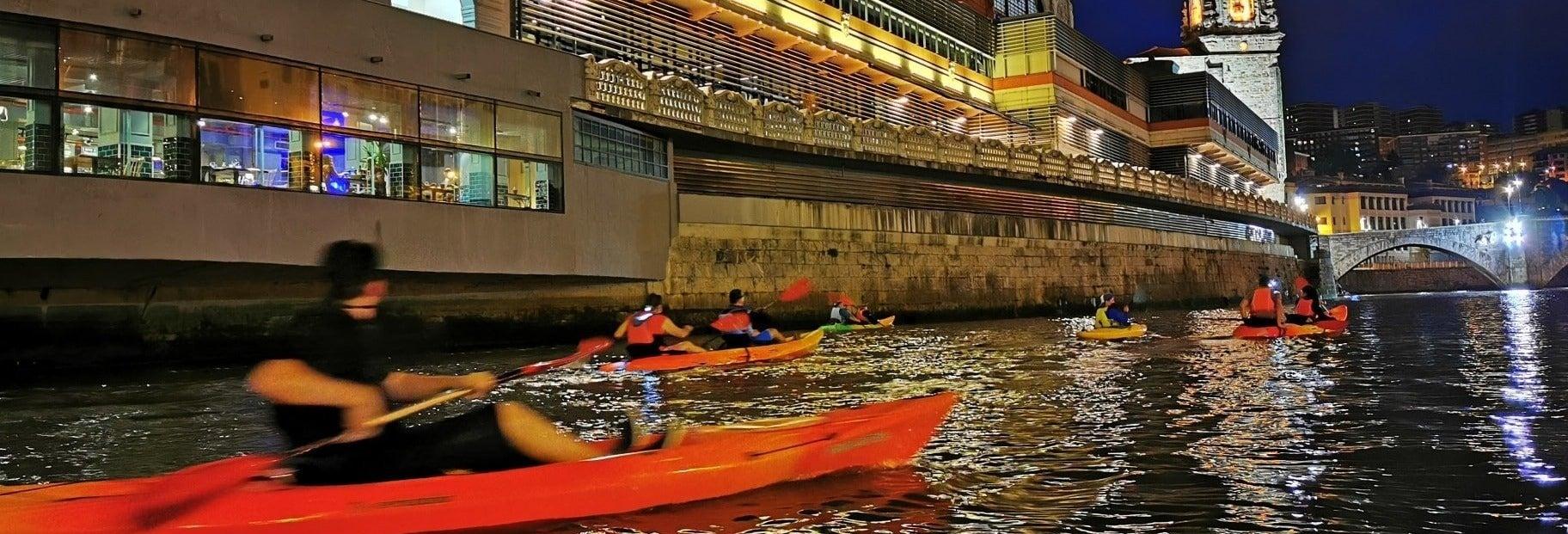 Tour nocturno en kayak por Bilbao