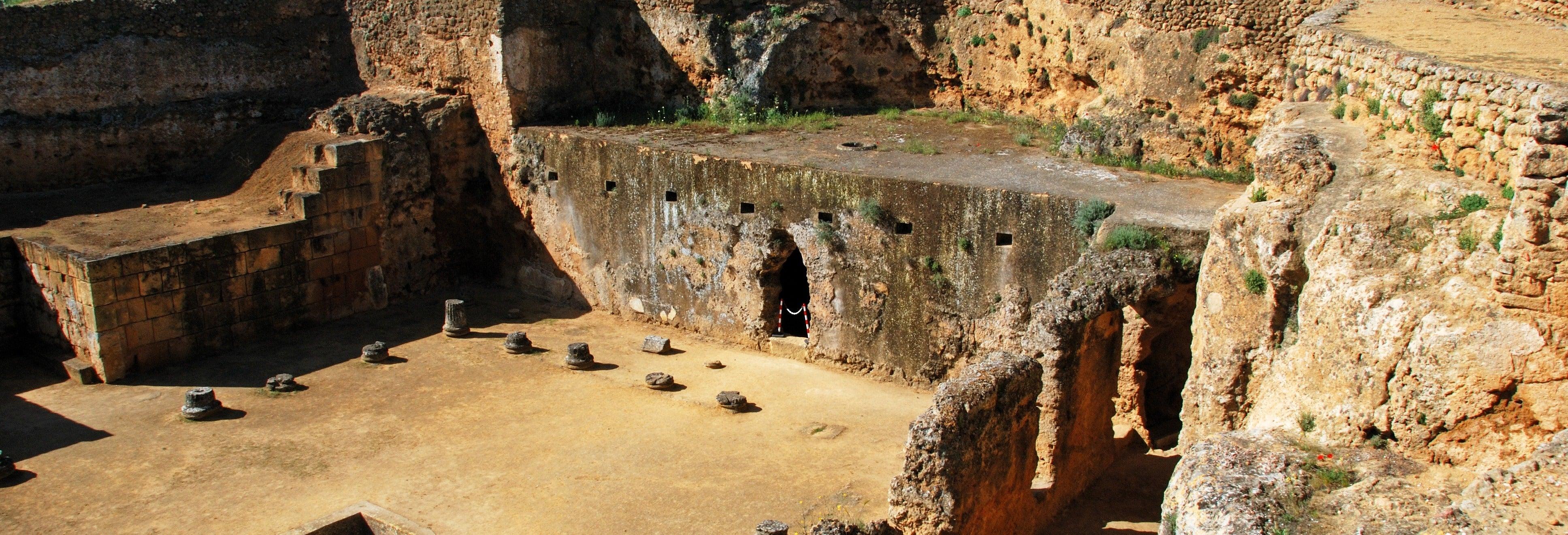 Tour por la Carmona romana