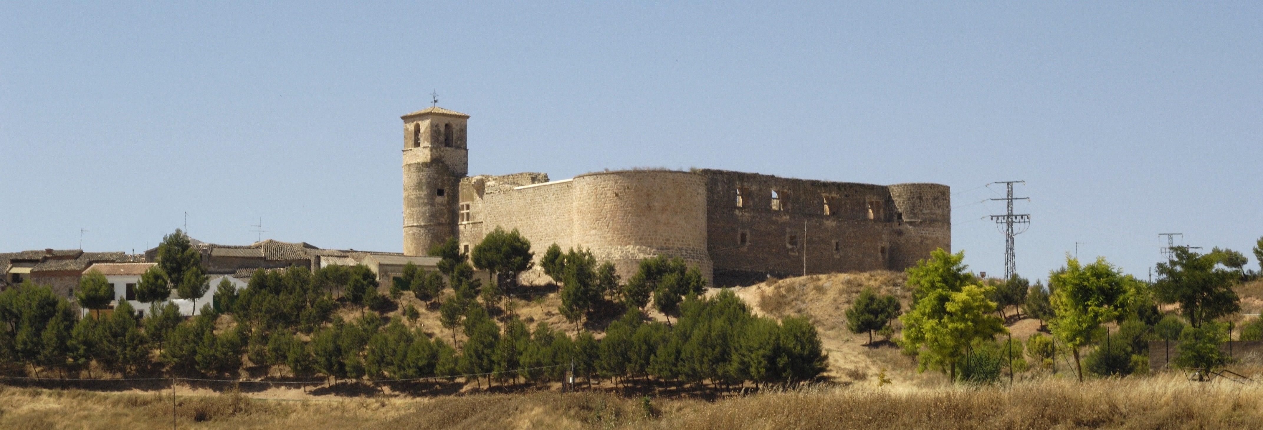 Ingresso do castelo de Garcimuñoz