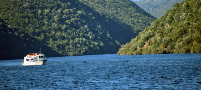 Paseo en barco por el río Tajo